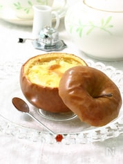 リンゴの器のチーズケーキ