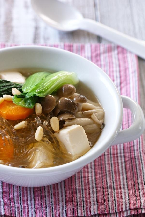 いろどり野菜と豆腐の春雨スープ