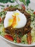 ポーチドエッグonジャジャ麺。