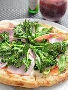 春キャベツと菜の花・ハムのピザ