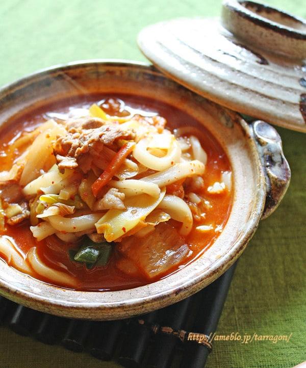 白菜キムチのピリ辛味噌煮込みうどん