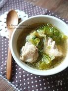 お腹に優しい♪チキンの生姜コンソメスープ