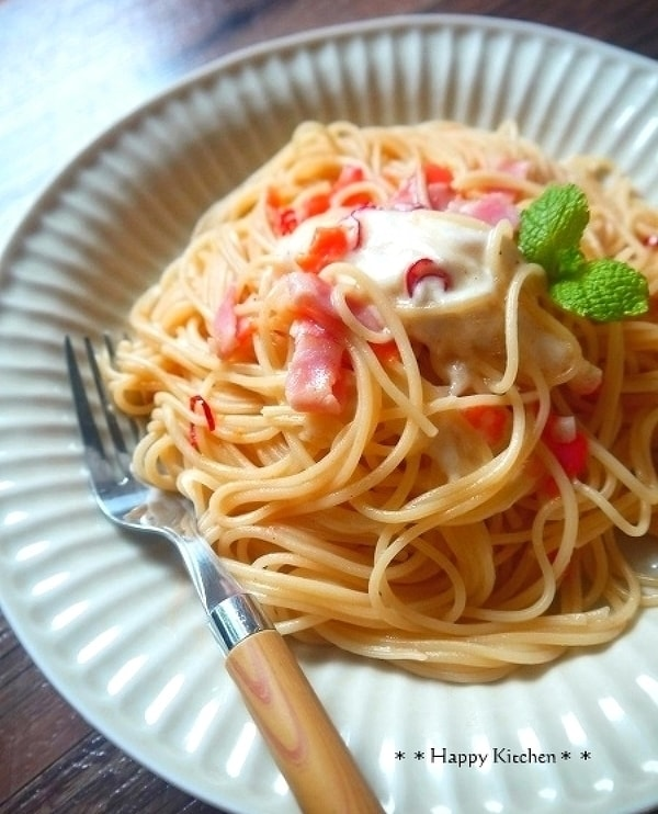 トマトとベーコンとチーズペペロンチーノ