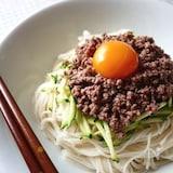 ジャージャー麺風・甘辛肉味噌乗っけ素麺