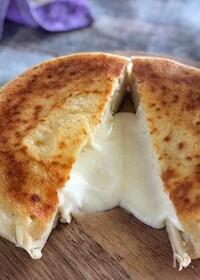 『チーズとろり♡『インドカレー屋さんのチーズナン』』