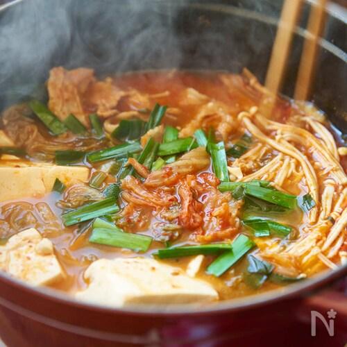 鍋の素いらず、簡単キムチ鍋