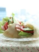 夏にピッタリ冷たいBLTピタパン