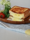 マヨ&バターでたまらない☆グリルドチーズサンド
