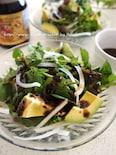 黒ゴマとバルサミコ酢のグリーンサラダ