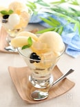 白桃と梅酒ゼリーのパフェ