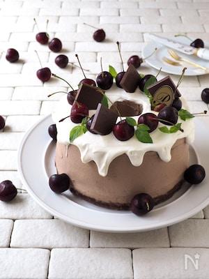 デコレーション・チョコシフォンケーキ