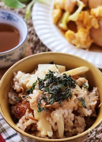 『ふっくらご飯とおこげが美味しい♡春の香り旬のたけのこご飯』
