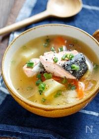 『鮭とじゃがいもの味噌バタースープ【#簡単 #おかずスープ】』
