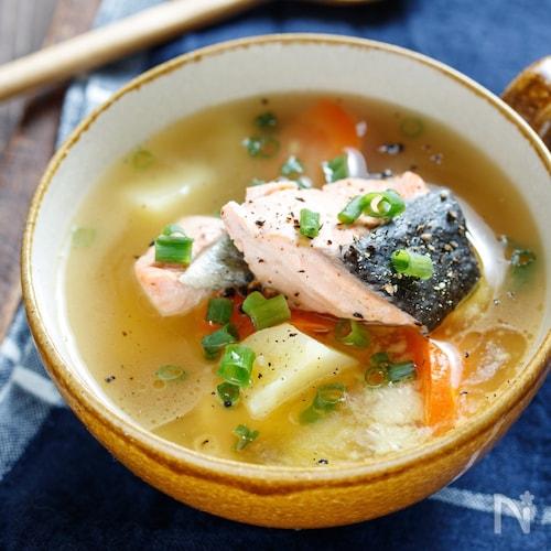 鮭とじゃがいもの味噌バタースープ【#簡単 #おかずスープ】