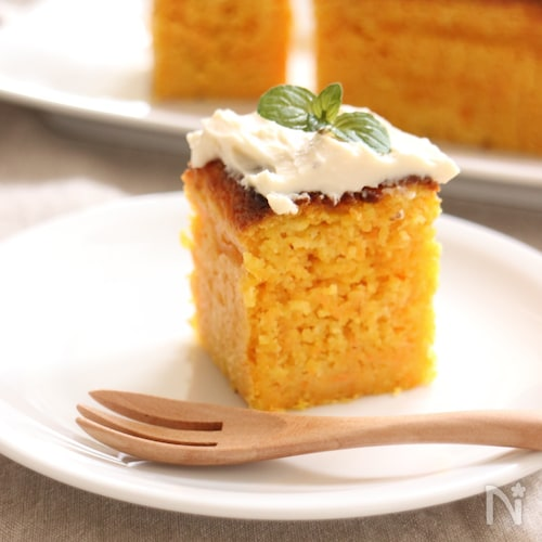 甘さを抑えた キャロットケーキ