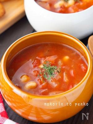 栄養満点!ベーコンと豆のトマトスープ