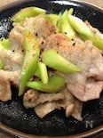 豚肉とセロリの中華風炒め