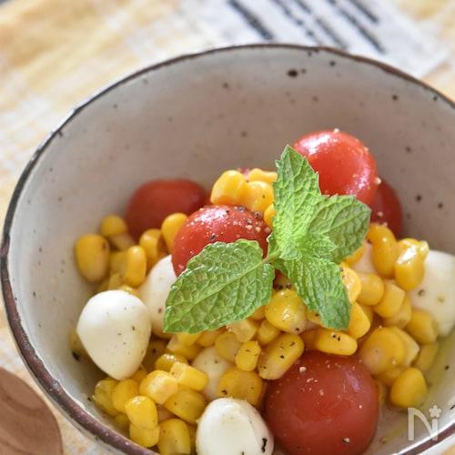 コーンとモッツァレラのはちみつトマトマリネ