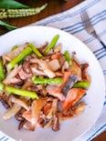 きのこたっぷり♪『春野菜と鮭のオイル煮✨』