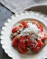 旨味増し増し♪トマトとしらすととろろ昆布のサラダ