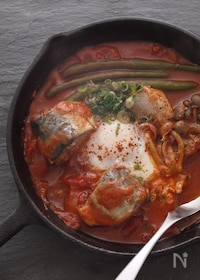 『サバ缶で簡単トマトと卵のかるい煮込み』