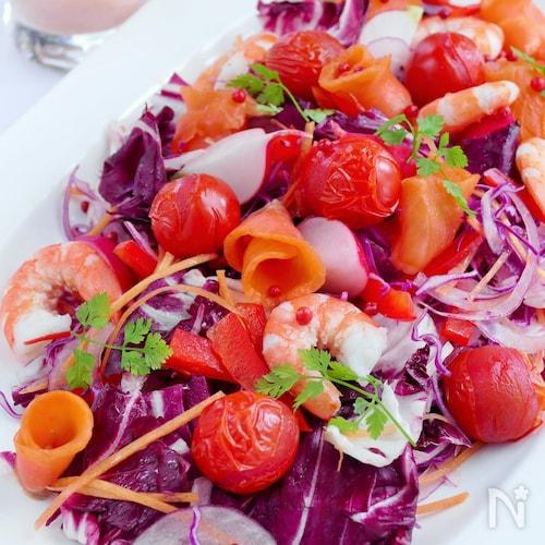 甘くはじける焼きトマトの赤いサラダ