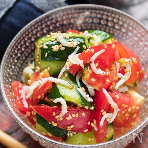 トマトときゅうりとしらすのうまだしサラダ【#作り置き】