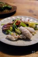 台湾家庭料理「セロリとイカのあっさり炒め」
