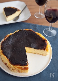 『真っ黒がおいしい!バスク風チーズケーキ』
