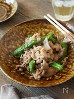 【食材2つ】豚肉とししとうの甘酒みそ炒め