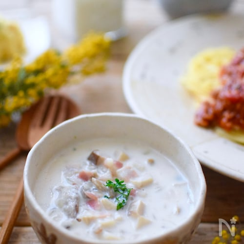 ミルクの優しい味にほっこり♩具沢山キノコのミルクスープ