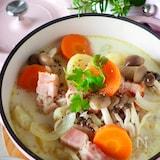 【牛乳だけで作る】たっぷり野菜とベーコンの優しいミルクスープ