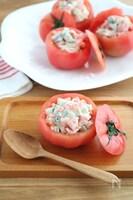 おもてなしにも♪トマトのカップサラダ
