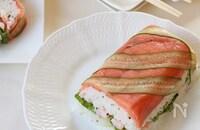 スモークサーモンのケーキ寿司