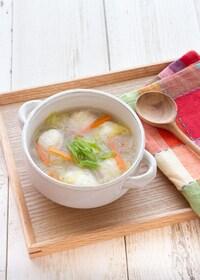 『低糖質でヘルシー!白滝入り鶏団子の白菜スープ』