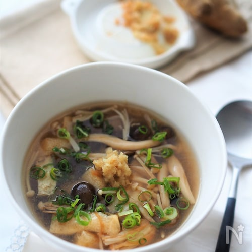 たっぷりキノコの生姜スープ