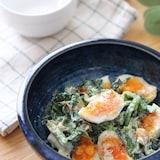 いくらでも食べられる♡ほうれん草と半熟卵のごま味噌マヨサラダ