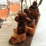 豚肉のスパイシーピンチョス、ピンチョ・モルノ