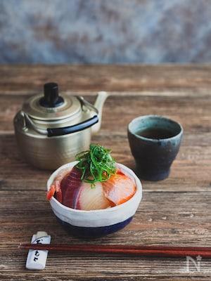 あごだしつゆでお手軽海鮮丼