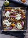 詰めていくだけ!かぼちゃと鶏肉のオーブン焼き
