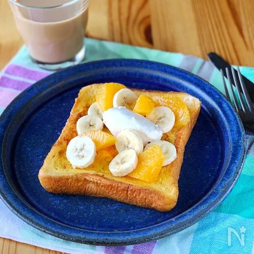 メープルチーズクリームとフルーツのフレンチトースト