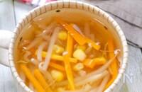 冷凍もやしと人参とコーンのコンソメスープ