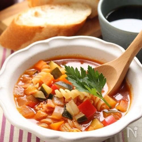 パスタ入りたっぷりお野菜のスープ