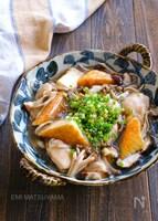 やわらか鶏肉とつるりん絹厚揚げとたっぷりきのこのとろーり煮