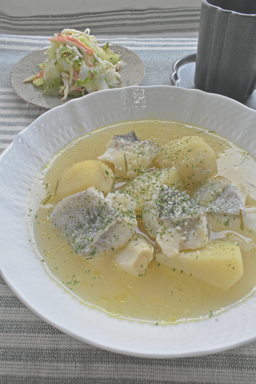 洋食の定番♪たらとじゃがいものスープ