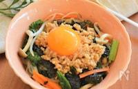 野菜もしっかり摂れる!えのき茸入り鶏そぼろのビビンパ