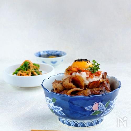黒酢でスッキリ豚バラ肉☆おろし豚キムチ丼!