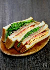 『オーロラソースで食べる「BLTサンド」』
