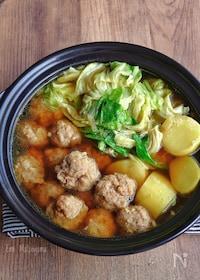 『豚団子とじゃがいもとキャベツのカレースープ鍋』