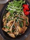【スタミナ味でご飯が進む】豚ニラもやしの濃厚オイスター炒め